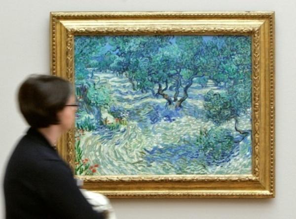 Une sauterelle morte découverte sur un Van Gogh