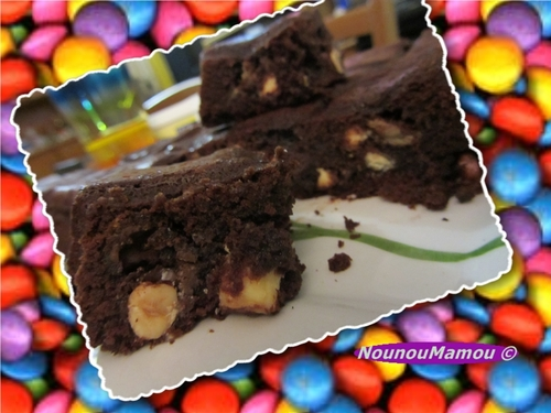 Brownies chocolat noir corsé et blanc, bananes, et fruits secs