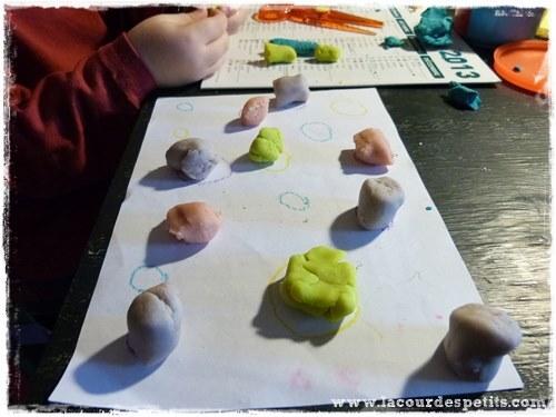 Pâte à modeler tri des couleurs