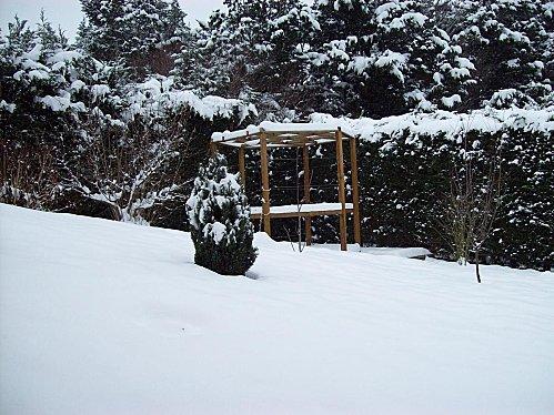 Pergola sous la neige