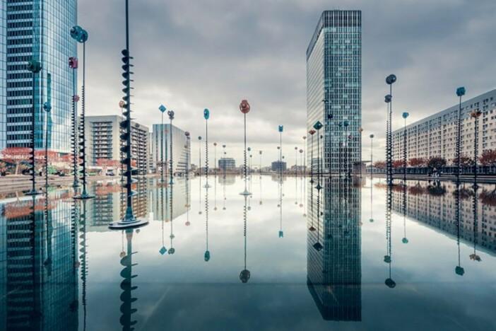 Reflet La Défense à Paris