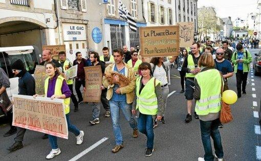 Quimper-Gilets jaunes. Une centaine de manifestants réunis dans le calme (LT.fr-23/03/19-18h)