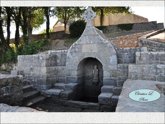 Fontaine Saint-Cado...