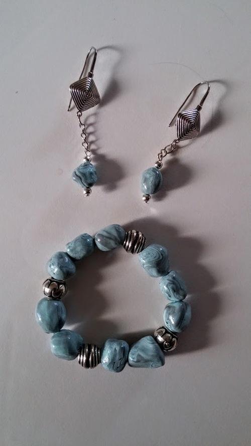 Bracelet et boucles effet pierre