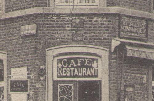 Entrée du café 1909 - plaques