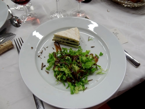 Monique Salera et Arole Dupaty ont concocté un délicieux déjeuner truffé, proposé après le marché de la truffe 2013 à Leuglay !!