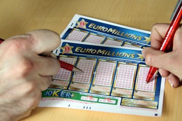 Son ticket perdu, le gagnant a dû partager son gain de 163 millions d'euros
