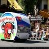 tour-de-france-caravane-vachequirit-au-grand-bornand-2007