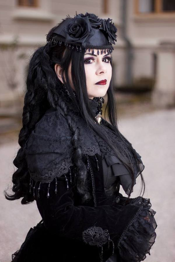 La dame élégante du château