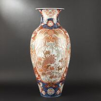 Grand vase en porcelaine à décor Imari. Japon, vers 1900