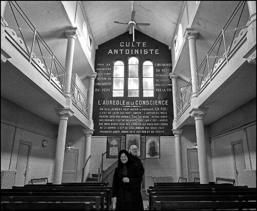 Avec une ''soeur'' du temple Antoiniste de la Butte aux Cailles, Paris, 18 décembre 2013 - Photo by Nils Labadie. - Avec Sudor (FaceBook Joël Sueur)