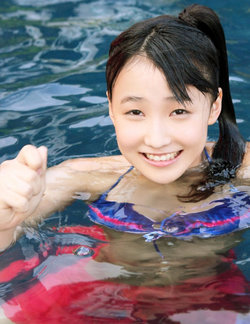 Morning Musume Alo-Hello! Morning Musume Q-ki Mizuki Fukumura 譜久村聖 Erina Ikuta 生田衣梨奈 Riho Sayashi 鞘師里保 Kanon Suzuki 鈴木香音 モーニング娘。アロハロ!モーニ