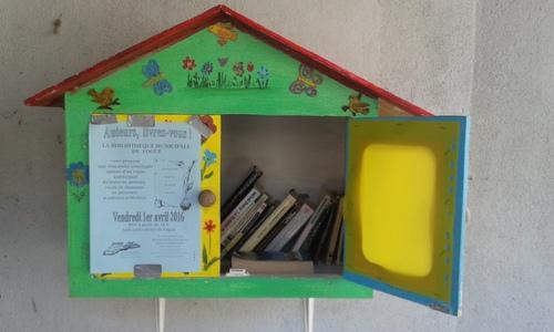 Des boîtes à livres d'ici ou d'ailleurs...