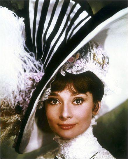 """Une chanson, """"Moon River"""", une actrice, Audrey Hepburn, un film,""""Diamant sur canapé""""."""