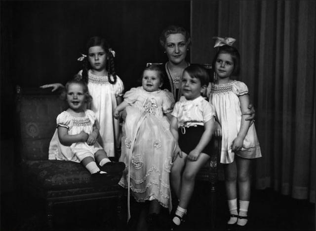 """Magda et ses enfants qu'elle considérait comme ses """"objets"""" !"""