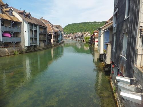 Ornans et Nans-s/s-Saint-Anne dans le Doubs
