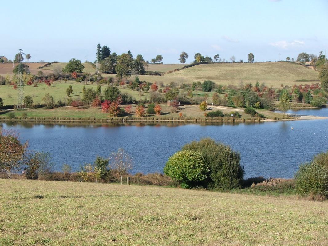 Le plan d'eau du Val Delenne