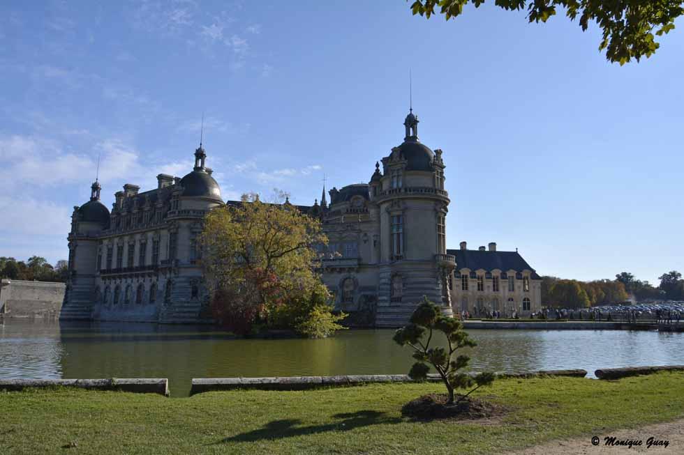Château de Chantilly (60), les pieds dans l'eau