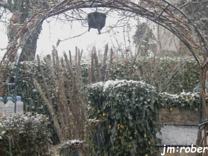 Tombe la neige, c'était ce week ....comme en 1963 ........i