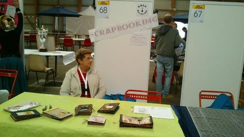 Le stand du scrapbooking au forum de Ploërmel
