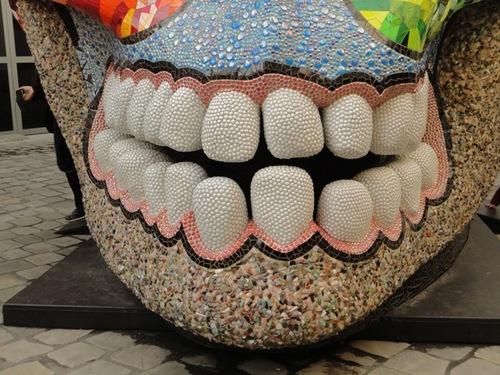 Niki de Saint-Phalle, la Cabeza, une tête de mort creuse où se reposer