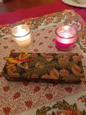 Atelier cartonnage du 26 novembre 2019 : boîtes cadeaux (chocolats, bouteille)