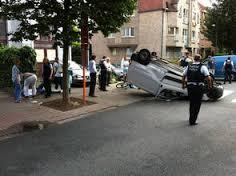 Wolu1200 : Impressionnant accident impliquant 2 camionnettes