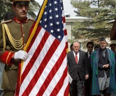 A Kaboul, Karzaï et l'ambassadeur Usraélien s'enfuient sous les balles de la résistance. La prochaine fois sera la bonne.