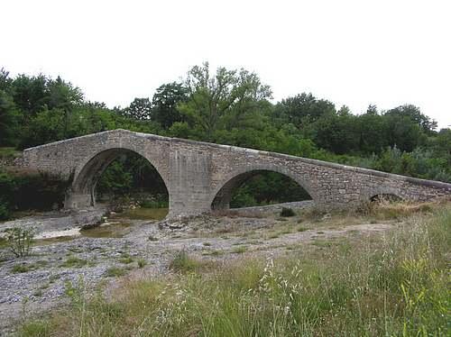 Le pont de Mane  (Alpes de Haute Provence)