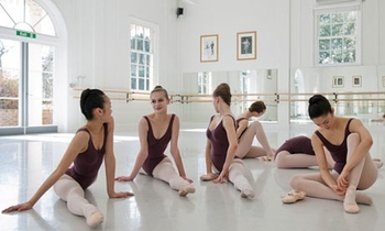 ballet-students-at-white--007