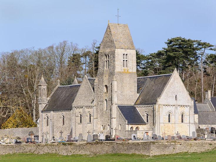 Eglise Saint-Aubin Vaux-sur-Aure.jpg