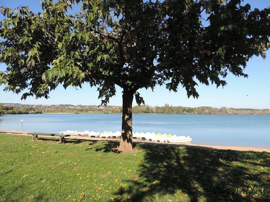 le lac de Saint Cyr dept 86