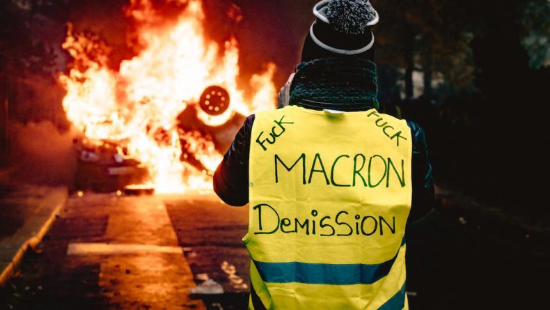 Emmanuel Macron et sa majorité pédalent dans la semoule depuis que la crise des gilets jaunes a éclaté.