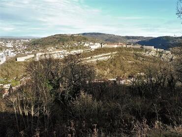 DRC - Besançon - La Citadelle Vauban, la colline de Brégille et son fort, vus du Fort de Chaudanne