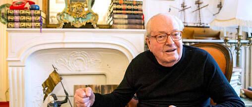 L'ancien chauffeur de Jean-Marie Le Pen a déposé une plainte pour travail dissimulé.