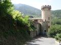 """Le château """"moderne"""" (fin du XV ème siècle), bâti dans le village"""