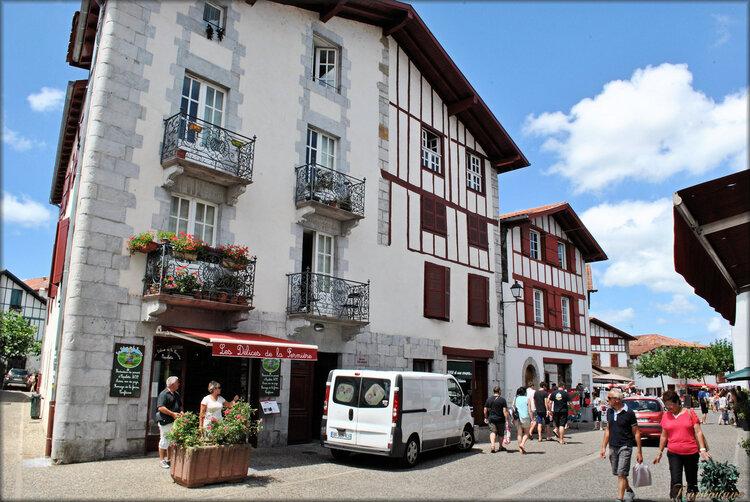 Photos des rues du village d'Espelette (Ezpzleta)