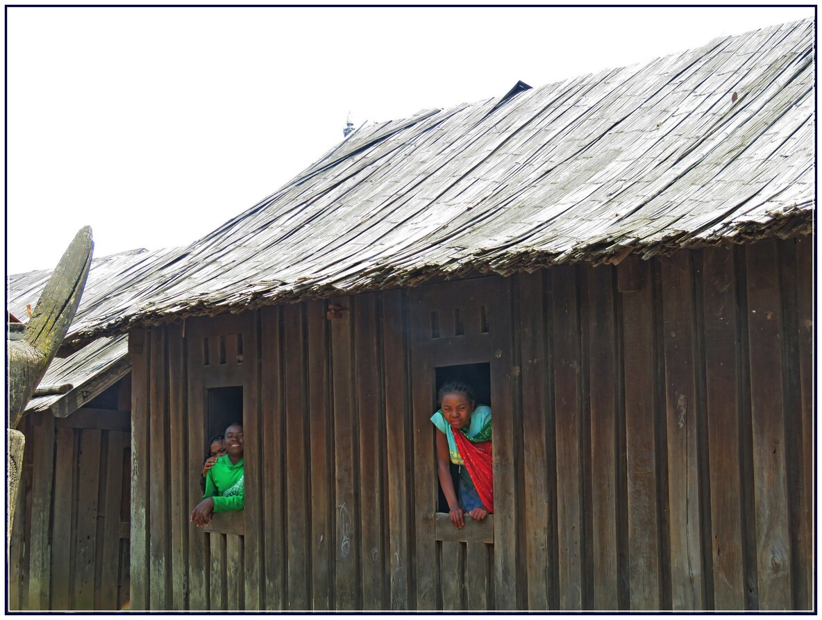 No 1 SCENES DE VIE DE TOUT LLES JOURS  MADAGASCAR