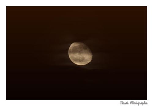 Hier....La Lune