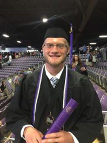 Le fils de Lar Park Lincoln diplômé.