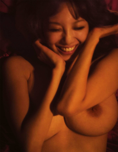 Photobooks : ( Rara Anzai : Nude Photobook 「Hello,Goodbye」 )