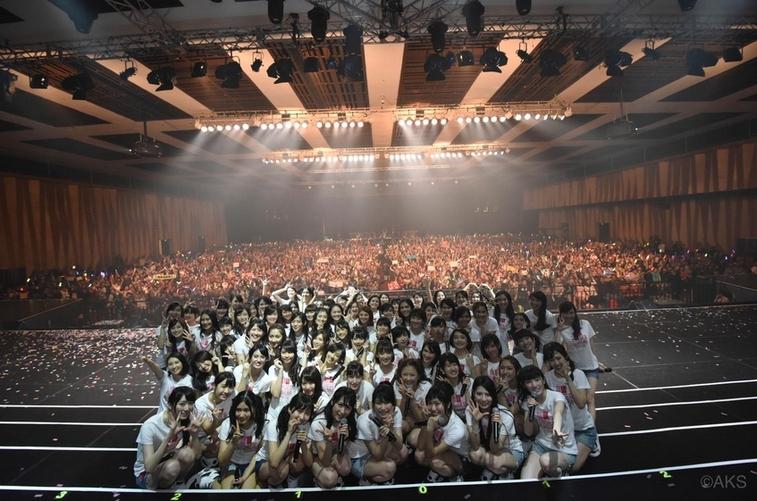 Voyage : Les AKB48 en Indonésie !