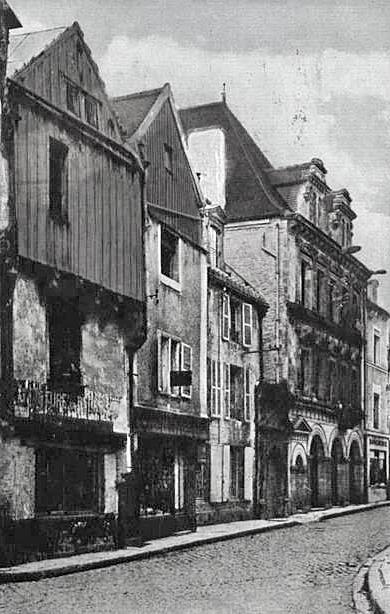 D'anciennes photos de la rue du Bourg à Châtillon sur Seine, retrouvées par Pierre Magès