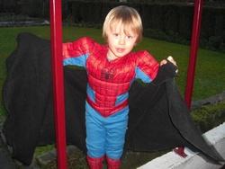 LES ENFANTS ET LEURS SUPERHEROS
