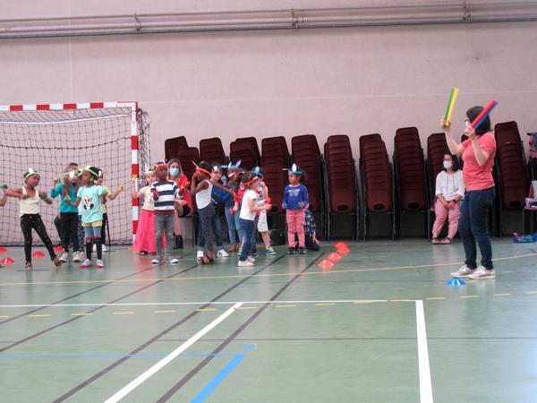 Quatre classes de maternelle  du Pays Châtillonnais ont chanté les Zanimos....
