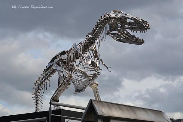 T-Rex Pont de l'Alma 1