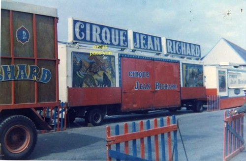 le cirque Jean Richard à Crozon en 1974 ( archives Bruno Taillandier)