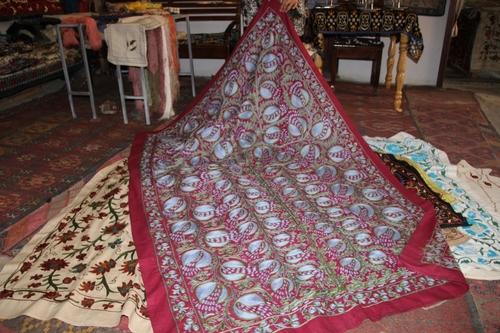 Boukara : les suzani, broderies extraordinaires