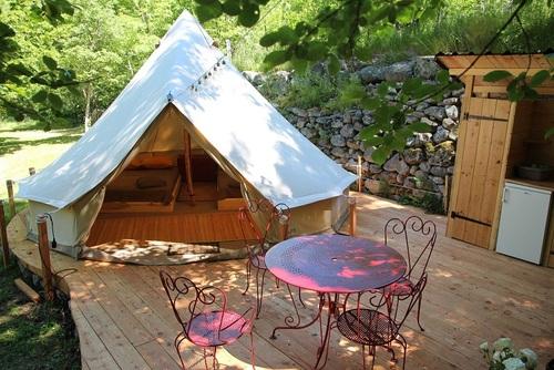 Les tentes meublées