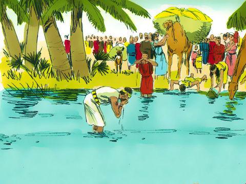 Tout le monde a bu de l'eau.  Moïse a appelé l'endroit «Massah et Meribar» parce que les gens avaient douté de Dieu en demandant: «Le Seigneur est-il avec nous ou non?  (En hébreu, Massah signifie «tester» et Meribar signifie «se quereller»).  Dieu avait tenu sa promesse et fourni de la nourriture et de l'eau dans le désert.  - Diapositive 32